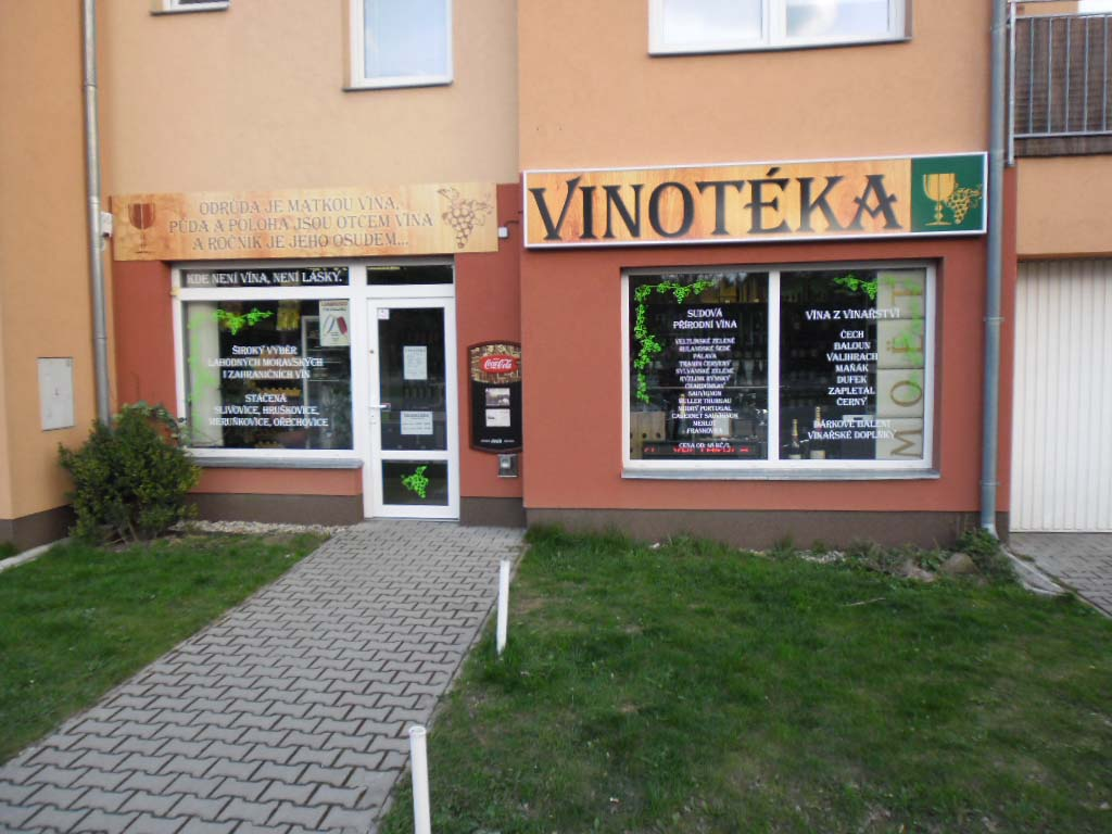 https://pivovarkunratice.cz/wp-content/uploads/Vinotéka-Šestajovice.jpg